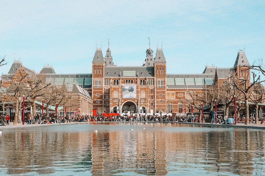 Rijksmuseum from afar
