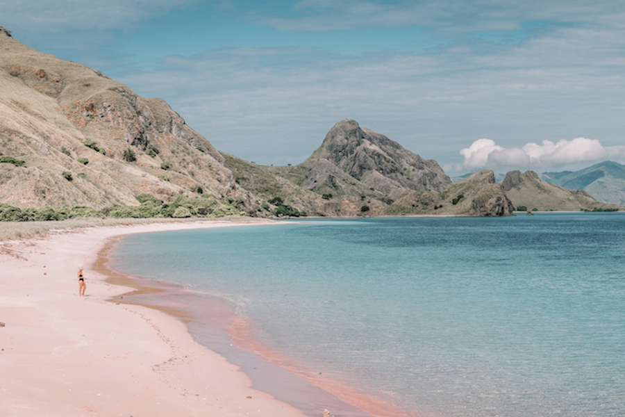 Pink beach, one of the best things to do in Lombok