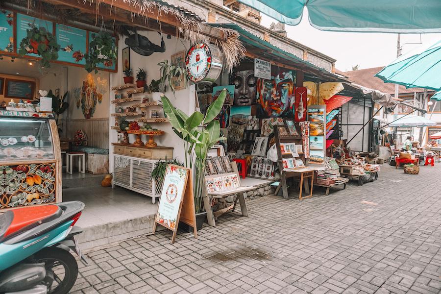 Shops on the street in Jalan Raya Ubud