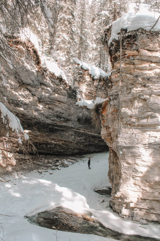 Banff winter activities - Johnston Canyon