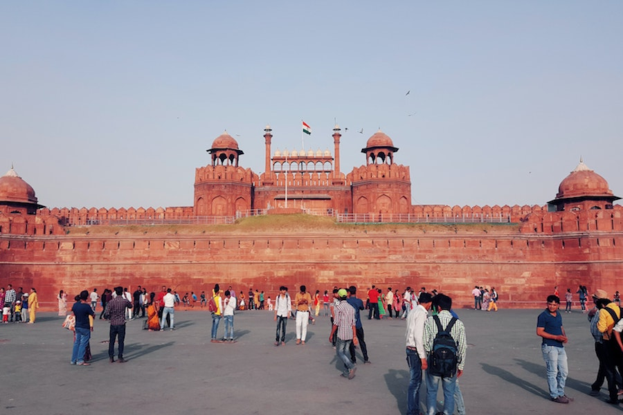 historical places in Delhi  - huge red fort in Delhi