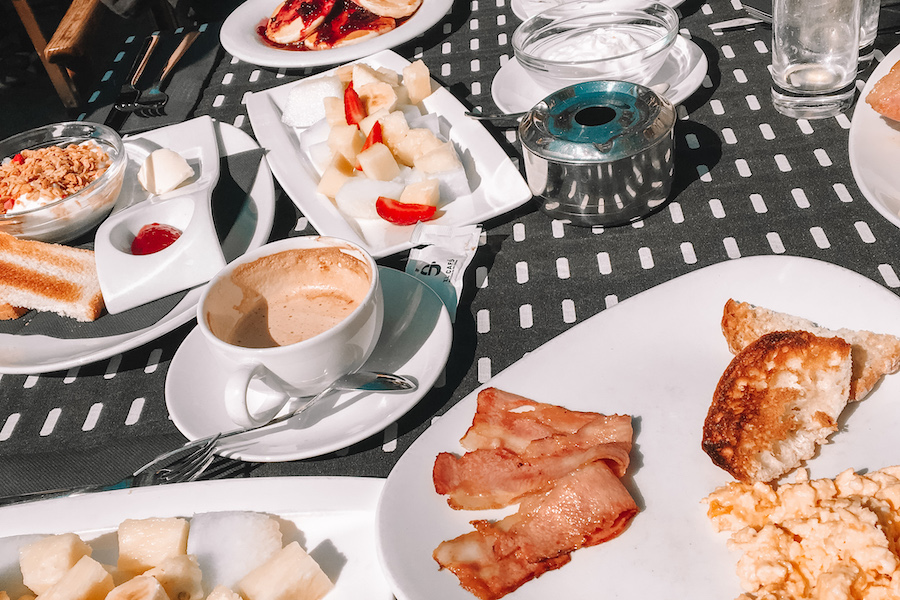 one day in Barcelona - breakfast layed out