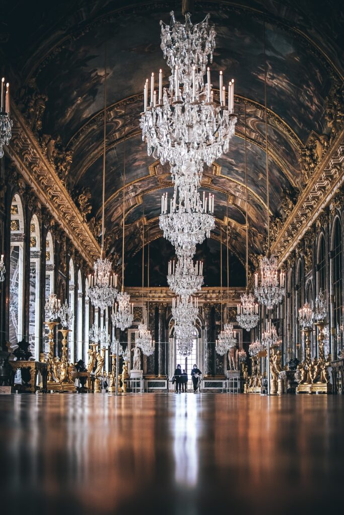 Palace hall with huge crystal chandeliers