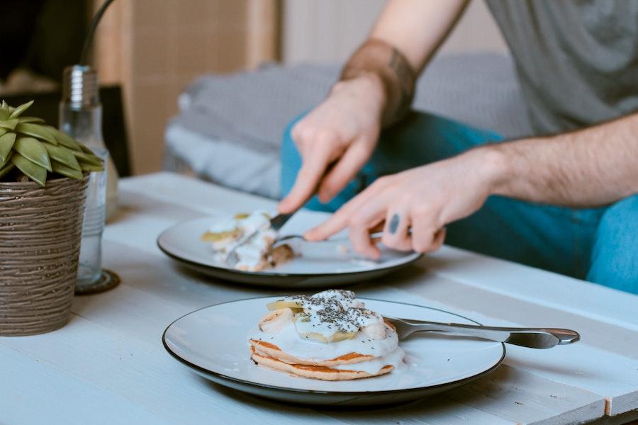 Serving of pancakes